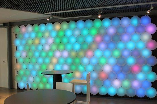 Het Nieuwe Instituut: Gioco di luci