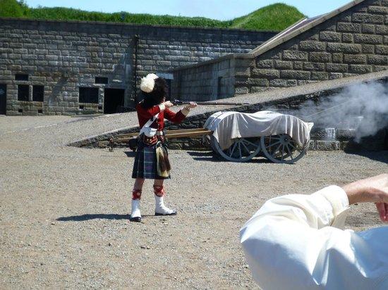 Halifax Citadel National Historic Site of Canada: Rifle demo