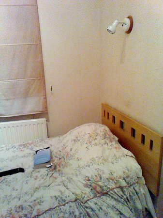 Aylestone Park Hotel: bed