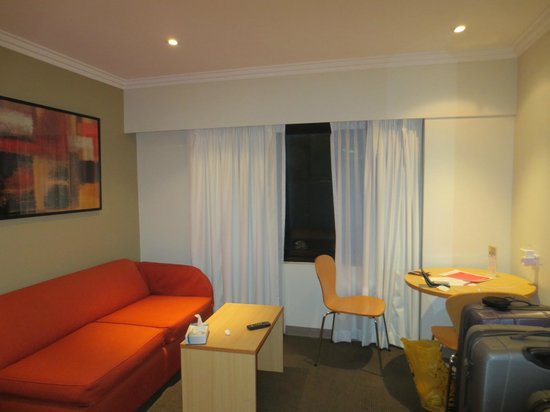 Travelodge Hotel Sydney: View of room