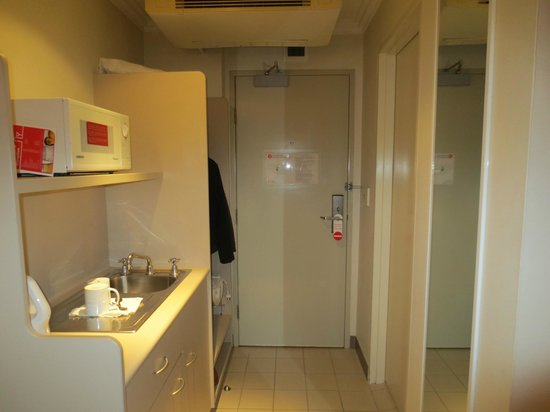 Travelodge Hotel Sydney: Kitchenette
