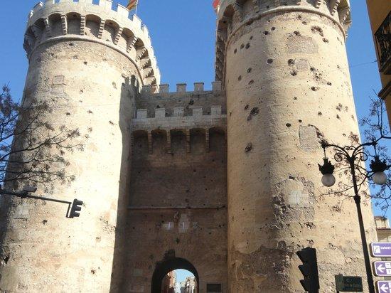 Expo Hotel Valencia : Torres de Quart- Portal de grandes batalhas na Espanha