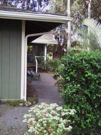 Side yard of the Pilialoha Cottage