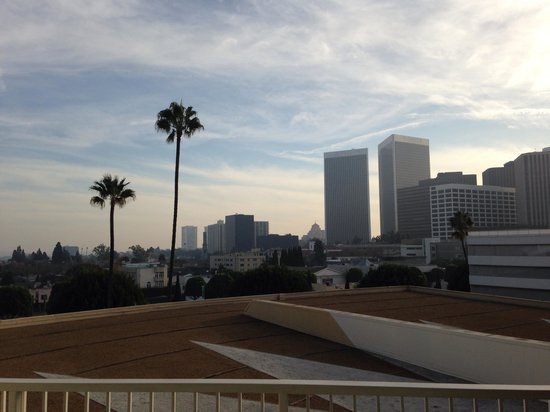 The Beverly Hilton: Balcony view