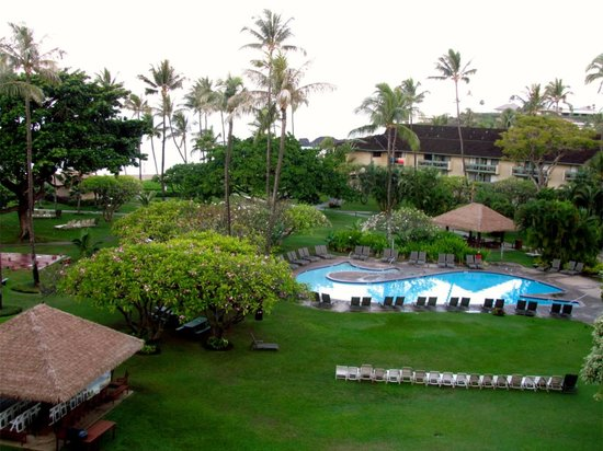 Kaanapali Beach Hotel : Hotel courtyard