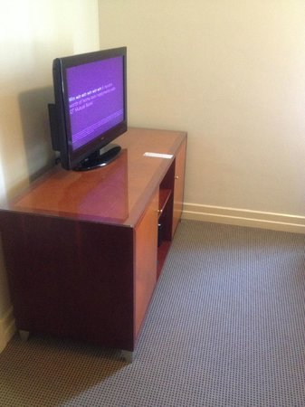 Adina Apartment Hotel Brisbane Anzac Square: Big Screen TV
