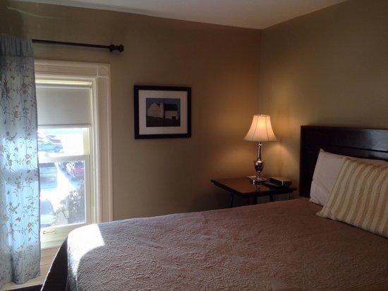 George Carroll House: Room 6