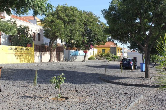 Colonial House Bed and Breakfast: Town center of Sao Filipe