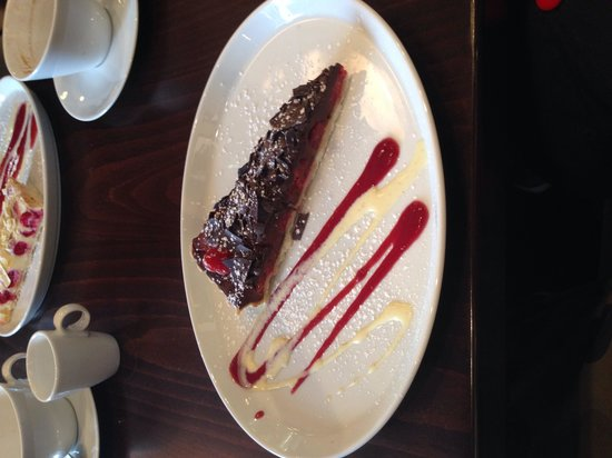 Bistro Narra: Bitter sweet chocolate with raspberry