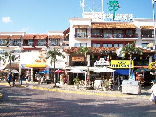 Koox Caribbean Paradise Hotel: Desde en frente