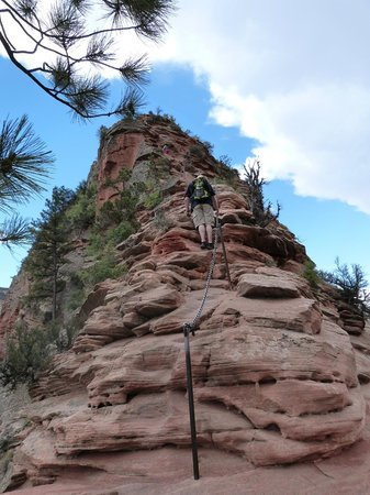 Angel's Landing: Difficult chain section
