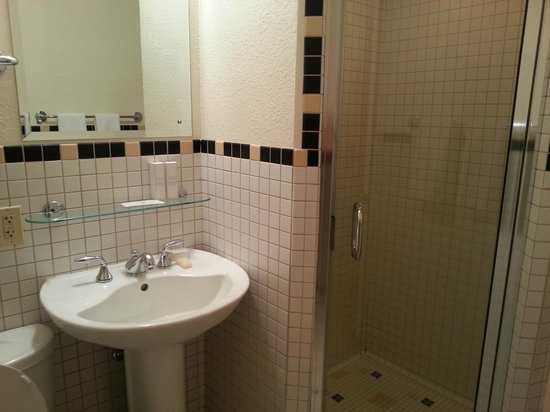 Inn at El Gaucho : Small-ish bathroom but nice shower, and storage cabinet