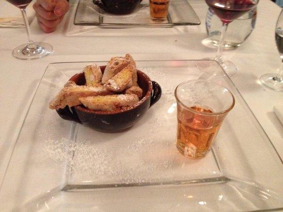 Osteria De' Cenci: Cantucci & Vin Santo