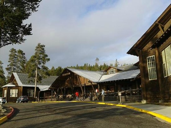 Lake Lodge Cabins : frente do hotel