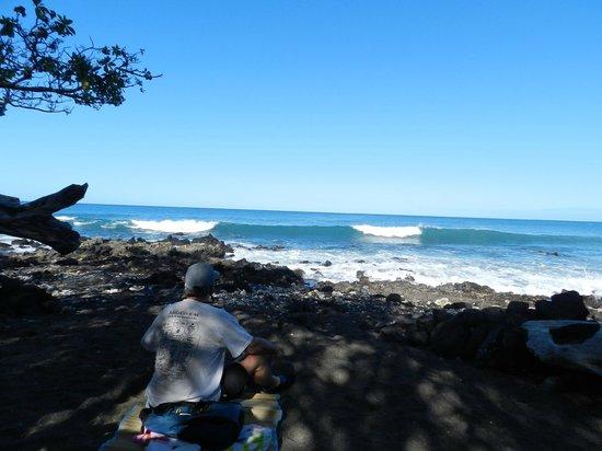 "Waialea Beach: A Quiet Little ""Beach Pocket"" To Enjoy The Day"
