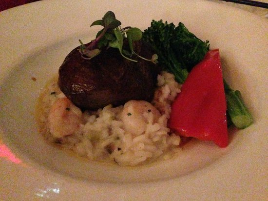 The Fish House In Stanley Park : Braised short ribs