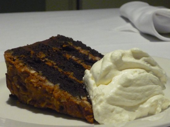 Pasta Kitchen & Bar : Caramel Chocolate Cake