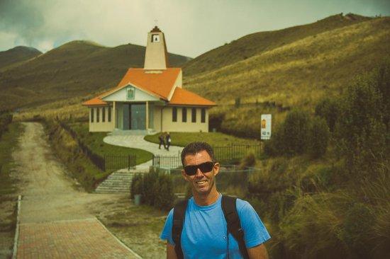 Teleferico Quito: Igreja , já no topo do Teleférico