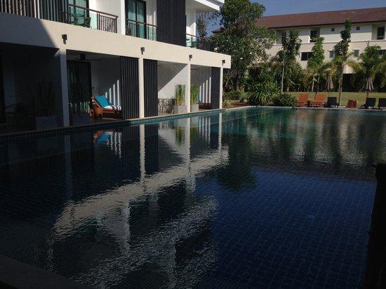 The Pago Design Hotel Phuket: Piscina