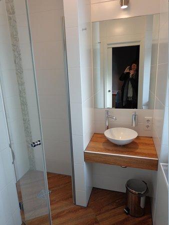 The Circus Hotel: the washroom