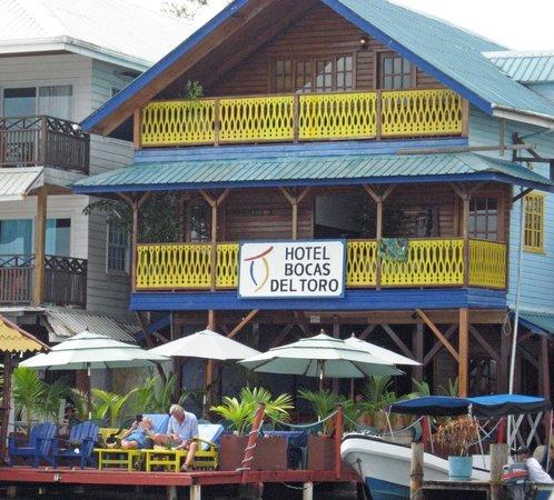 Hotel Bocas del Toro: Balconies facing ocean