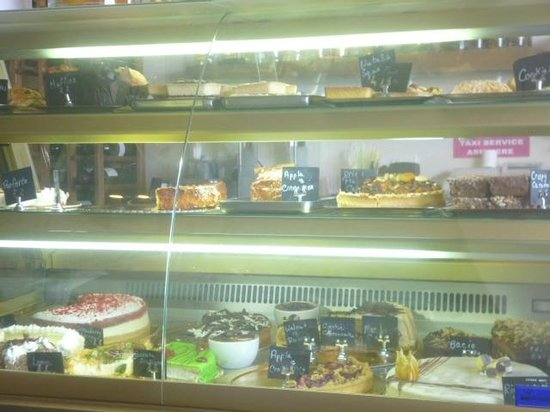 Oblico Cafe: Some of the cakes/tarts on offer.
