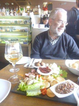 Oblico Cafe: Maltese platter.