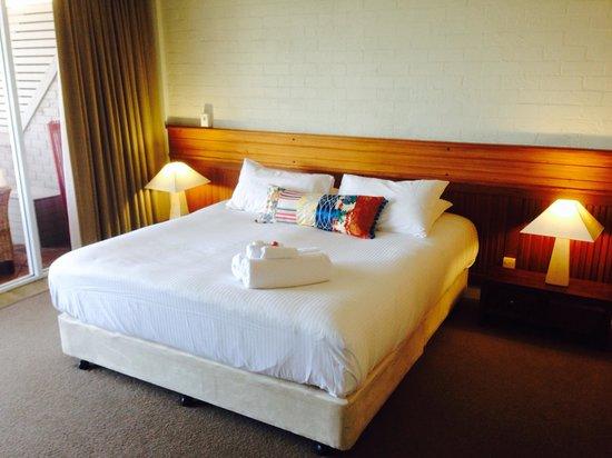 Bay Breeze Boutique Motel: Main bedroom