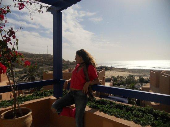 Paradis Plage Surf Yoga & Spa Resort : vue de la suite donnant sur la mer ainsi que les montagnes