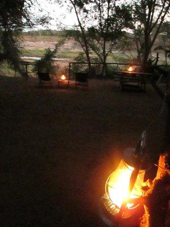 Pafuri River Camp : paraffin lamps at tent site