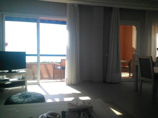 Paradis Plage Surf Yoga & Spa Resort : vue de la suite a partir du salon