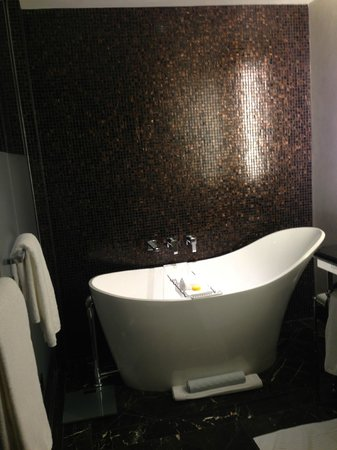 Rosewood Washington, D.C.: Bathroom