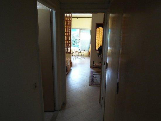 Residence Hammamet: Entrata camera