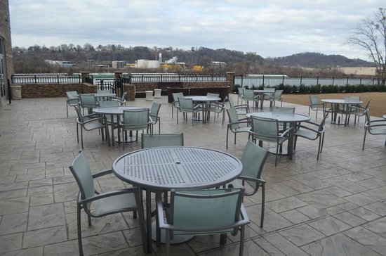 SpringHill Suites Chattanooga Downtown/Cameron Harbor : Patio