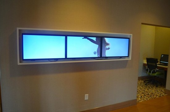SpringHill Suites Chattanooga Downtown/Cameron Harbor : Touch Screen Info Center