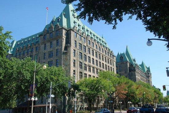 Albert at Bay Suite Hotel: Ottawa
