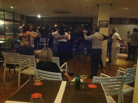 Restaurante oxila: BAILANDO TANGO