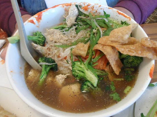 Hop Sheing Noodle House: PHO