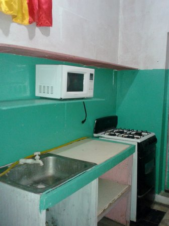 J's Cool Spot Backpacker Hostel : Nice clean shared kitchen facilities