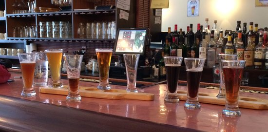 Schatzi's Pub and Bier Garden: Flights...