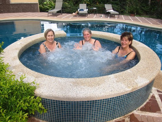 Hotel Villa Florencia : Relaxing in the hot tub