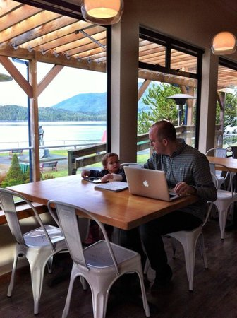 Cargo Kitchen and Bar: Daddy, daughter time at Cargo Kitchen.
