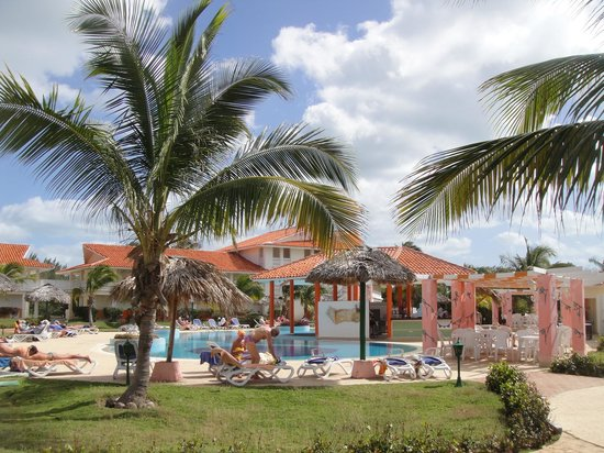 LABRANDA Varadero Resort: Beach Club pool area