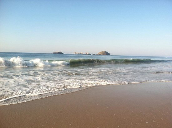 Playa el Palmar: As you can see, the waves are abundant - so be careful!  Watch the beach warning flags - red is