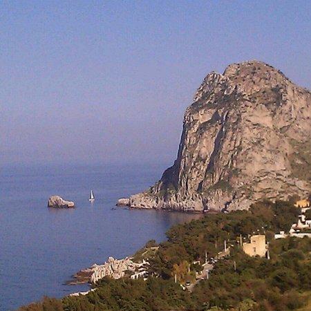 Bagheria, Italia: Capo Zafferano visto dal Parco di Monte Catalfano.