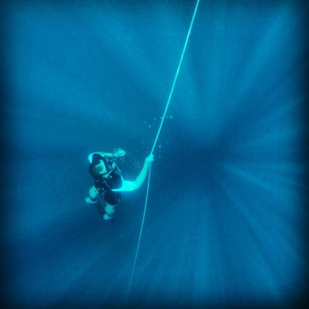 Just One Breath Freediving : Returning from 21.1m. Photo by John included in the price of the course.