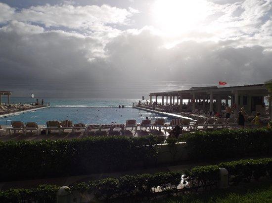 Crown Paradise Club Cancun: Vista do Restaurante