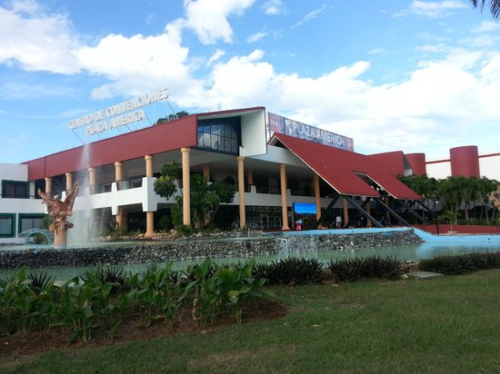 Varadero, Cuba: Ouside view of Plaza Americas