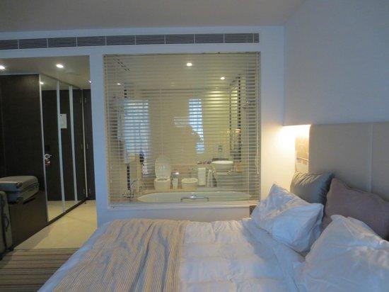Crowne Plaza Abu Dhabi - Yas Island : View of bath room