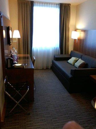 K+K Hotel am Harras Suite Wohnraum